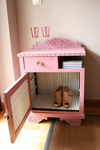 mesita castaño maciza pintada en rosa vintage pink chesnut 13   por Vintage&Chic