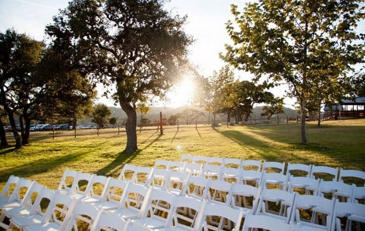 Outdoor Wedding Ceremony In The Texas Hill Country Hy H Ranch