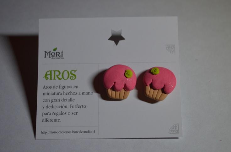 Aros pegados cupcakes arcilla polimerica $2500 CLP