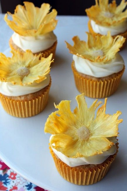 21 Pretty Ways To Use A Pineapple
