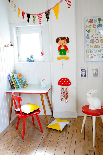 kids room | white with red details