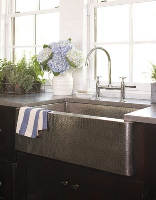 stainless farmer sink - this is so tempting! It would definitely be easier to clean!