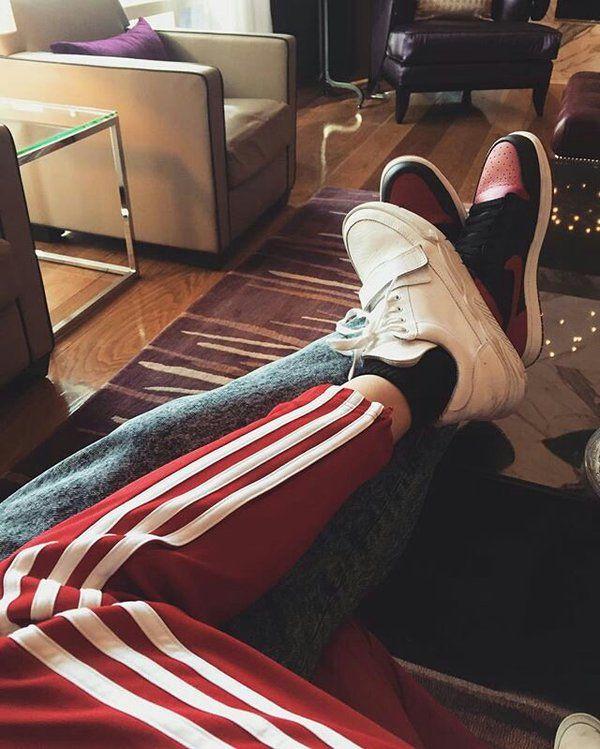Bella Hadid and the Weeknd / Abel Tesfaye cuddling
