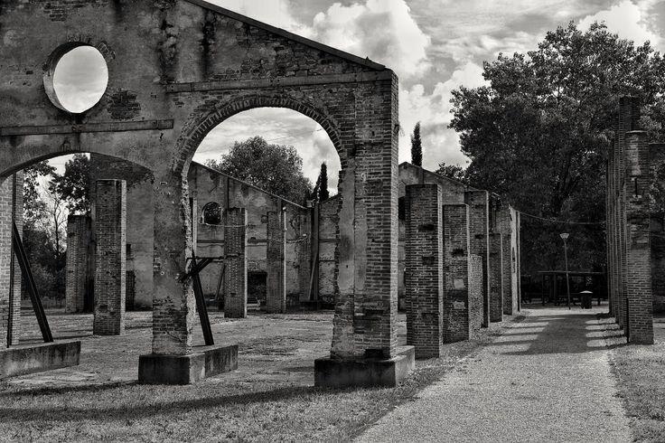 https://flic.kr/p/JoQcH1   I resist!   Former furnace Pontedera...