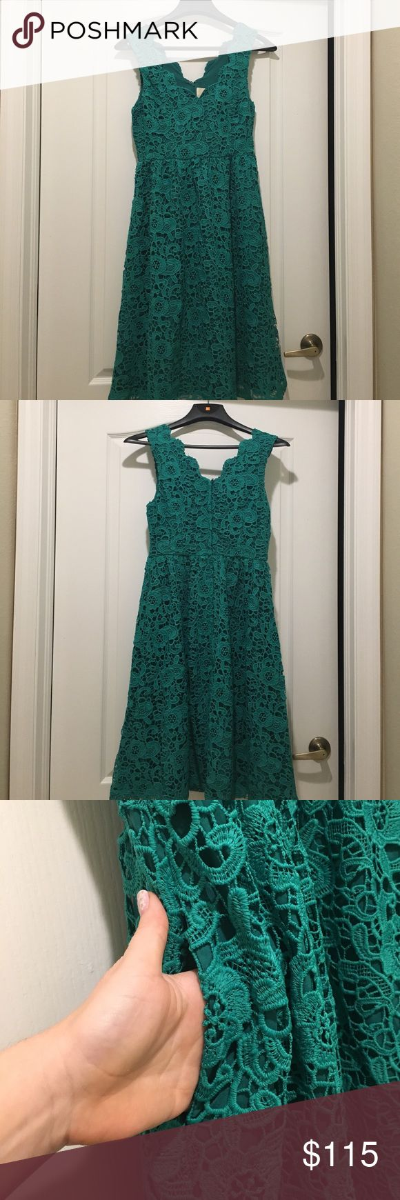 """Look at the Bridesmaid Side, ModCloth, Emerald NWOT lace dress in a beautiful emerald green, with scalloped details at neckline. Tea length, A-line. Pocket details. Size medium, fits best for size 6/8. ModCloth Dresses Wedding"
