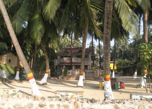 Fonsecas Beach resort - beach resorts near mumbai Are you longing to go for beach holidays? Beaches provide the perfect option for weekend vacations. Fun, sun and sand are something that cure the tension and stress levels building during weekdays. There are many beaches in the busy city of Mumbai. These water delights have become very popular and owing to this, several beach resorts near mumbai have mushroomed in recent, some of them are given below :