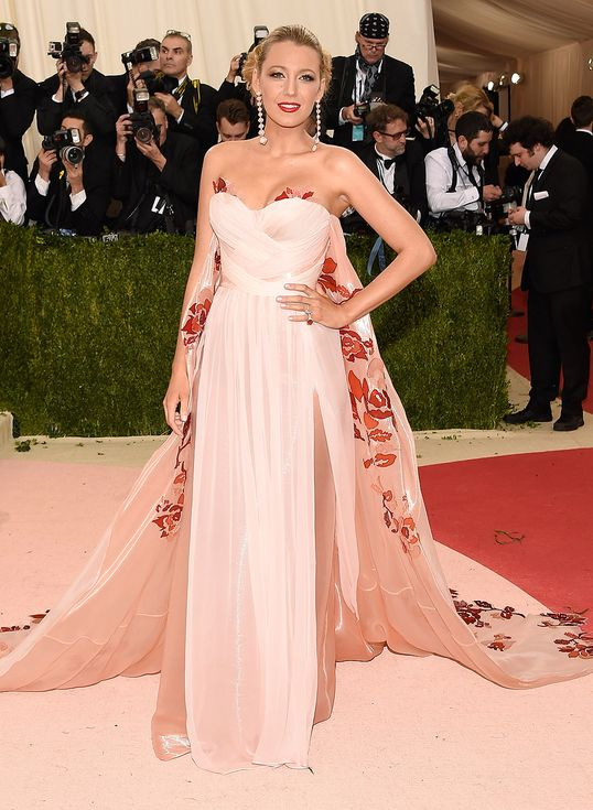 Met Gala 2016: Every Gorgeous Look on the Manus x Machina Red Carpet | People - Blake Lively in Burberry