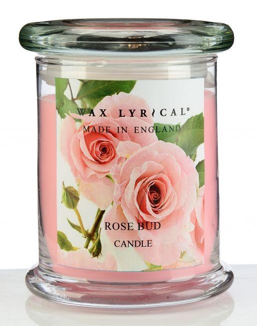 De zoete geur van een boeket van vers gesneden rozen gemengd met gardenia. Afmeting 8cm x 8cm x 12,5cm. Brandduur ca.65 uur. -
