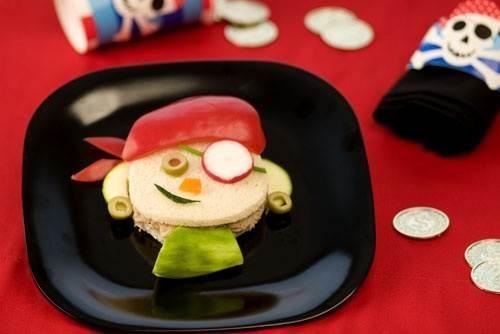 """Η ζωή θέλει… χαμόγελο και Κρις Κρις """"Τόστιμο!"""" Ψίχα Σταρένιο για πειρατικά παιδικά πάρτι! #kids #toast #bread"""