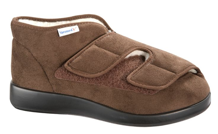 Varomed GENOA Winter1 (brown) - The Genoa winter has a wide Closure and is therefore highly variable. The Velcro closures allow physically impaired residents from opening by themselves, tightening and closing of the shoes. Due to the length L also greatly swollen and related feet have enough room.