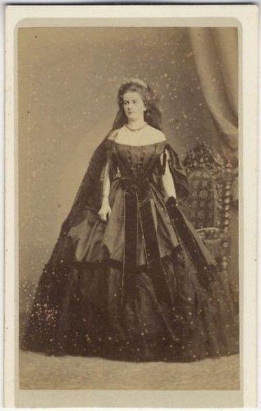 Maria Sofia, Queen of Naples, sister of Kaiserin Elisabeth of Austria, originally from Bavaria