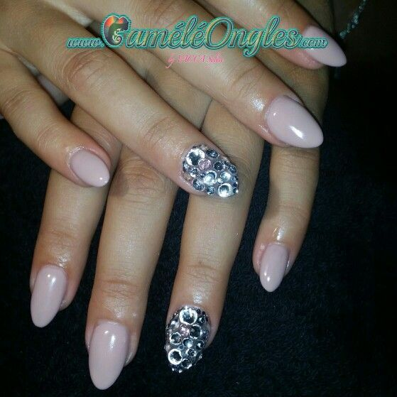 faux ongles forme amande
