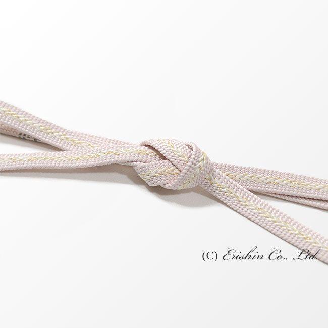 【帯締め 遠州組/白梅色】 礼装向けの定番、高麗の帯締めと比べ、さりげないフォーマル感が人気の遠州組。 さらりとシンプルモダンにコーディネートする時に、どうぞ。