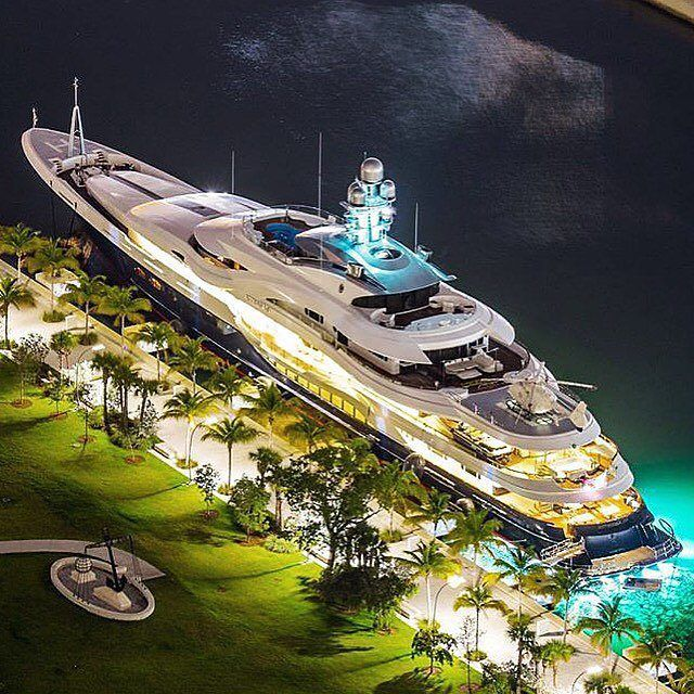 332ft mega yacht! People's vanity and show off - The destructors of our nature! The more they do, the more their misery.