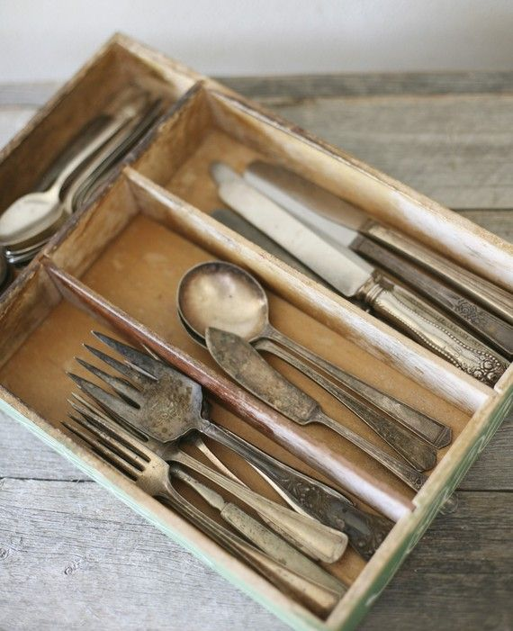 cutlery tray Pinned by www.silver-and-grey.com