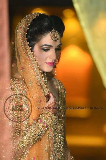 elegant pose for bride | pakistani wedding photography | afzl studios