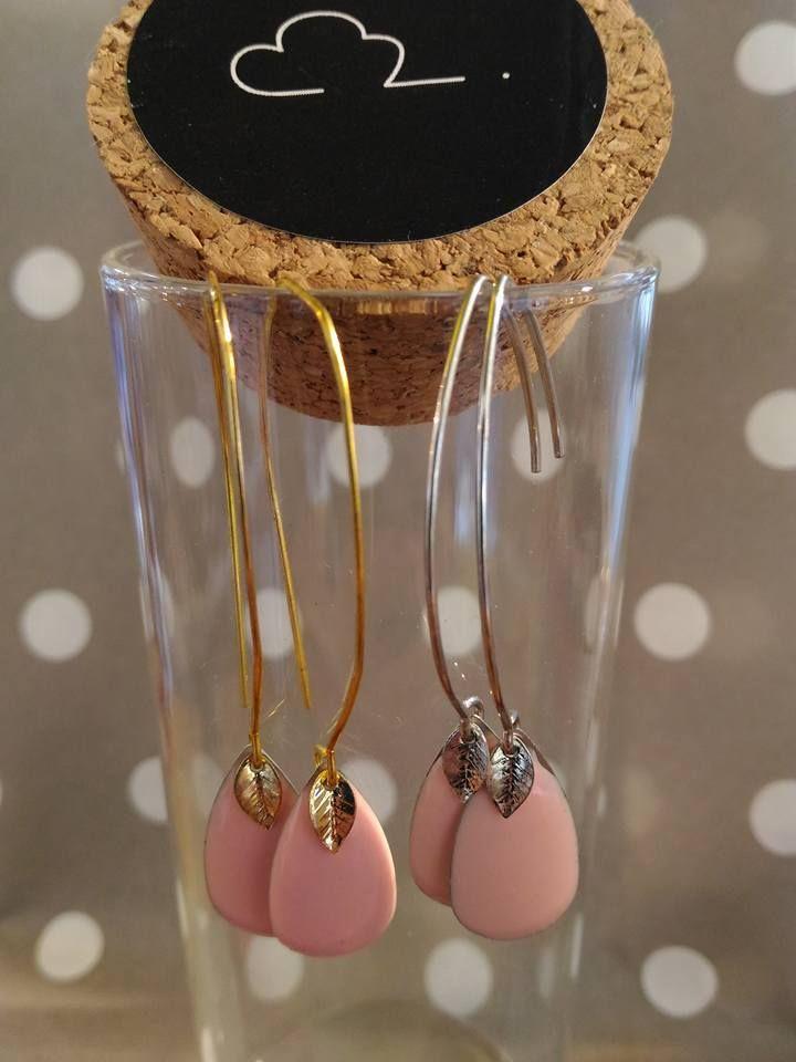 <3 Boucles d'oreilles rose pâle - or ou argent <3 Sur le nuage de Meije http://www.alittlemarket.com/boucles-d-oreille/fr_boucles_d_oreille_rose_pale_et_feuille_-15809990.html