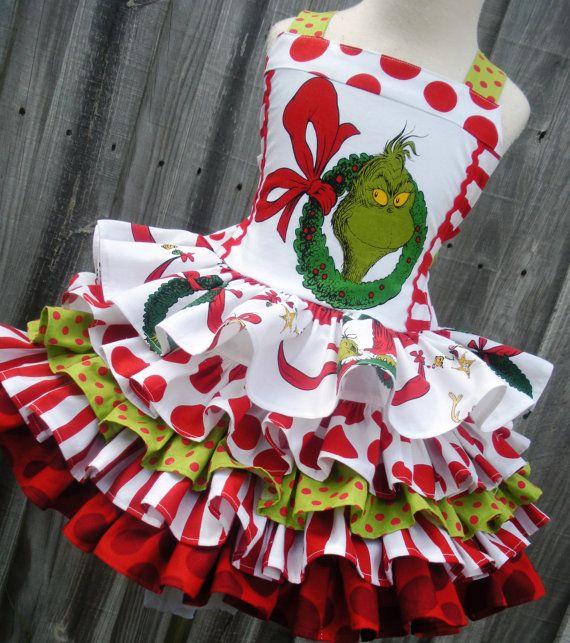 Hecho a pedido ***  Añadir una blusa $25 *** Añadir pettiskirt gasa con cintura ajustable $35 ***  Eres un medio uno... Señor Grinch!!!   (((Solo vestido... blusa y petti se venden por separado)))  Este anuncio es para 1 jumper/dress...made Grinch de coordinar telas de Grinch. Usted tendrá la opción de varios diferentes apliques de Grinch para la blusa... y su opción de Grinch coordinación de telas...  La blusa cuenta con correas que botón en la espalda... lazos... y está forrado con seda…
