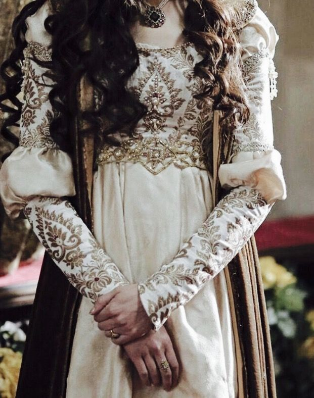 Lady Sabine's family wealth allows her to have beautiful gowns like this! http://jodyhedlund.com/books/for-love-and-honor