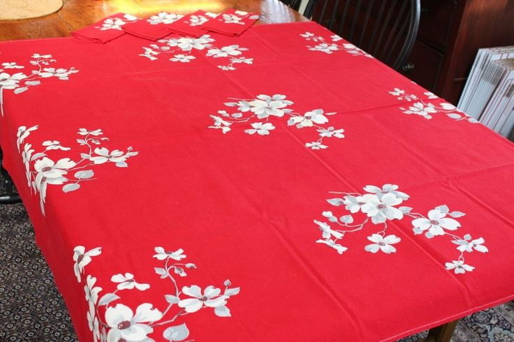 Vintage Cotton Kitchen Tablecloth Red w Dogwood Flowers Wilendur 46x52 4 Napkins
