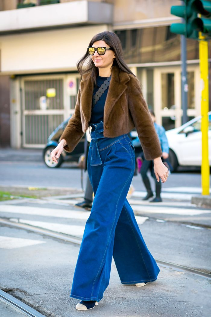 Trust us: These are the best jeans for a small waist and bigger butt. Shop them now.