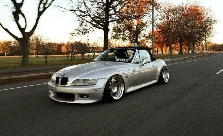 BMW Z3 silver slammed