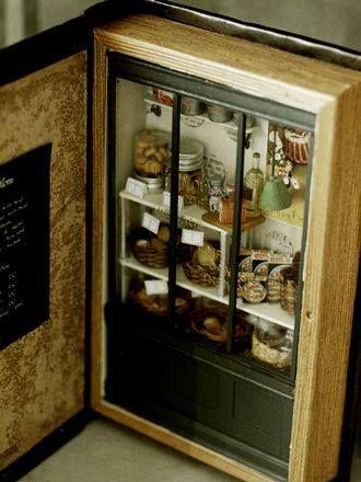 Estancias de casitas de muñecas en forma de libro (Arte y libros - Librería Terraferma)