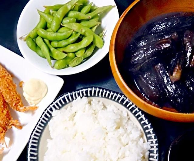 ありものご飯です ʕ*•ﻌ•ʔฅ - 5件のもぐもぐ - 海老フライ  子 茄子の味噌煮  枝豆 by ka612eusoarm