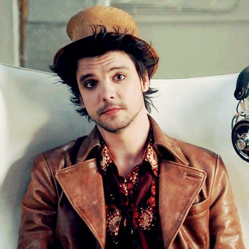 Andrew Lee Potts as my Favorite Hatter