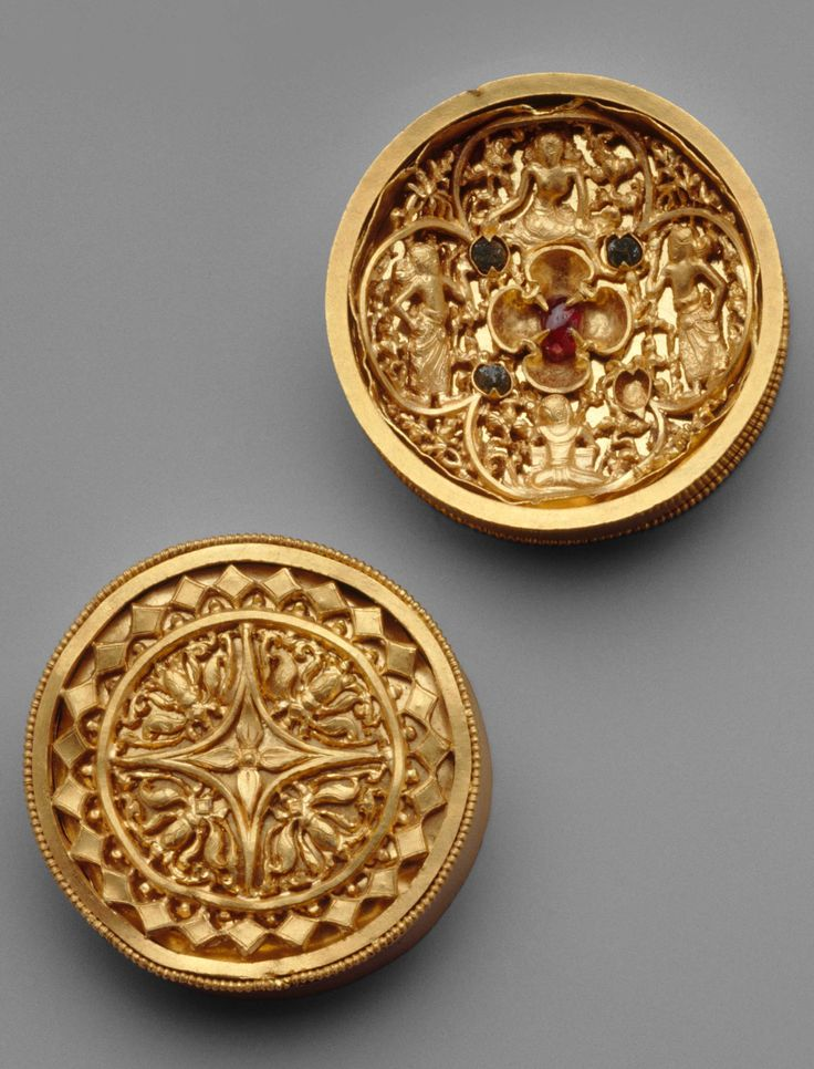 Indonesia ~ Java | Pair of Earplugs Ornamented with Figures and Inlaid Stones | Gold | ca. 9th - 14th century (Eastern Javanese period)