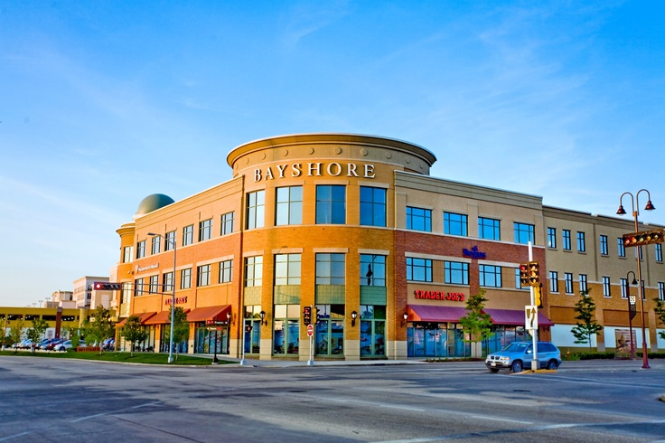 Bayshore Town Center located in Glendale, WI