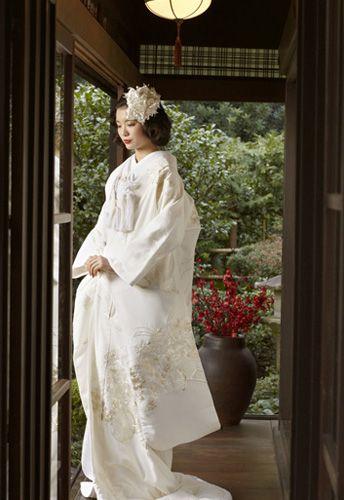 和装の結婚式!着物の種類と花嫁の髪型・ヘアスタイルをご紹介♪ | 結婚式準備ブログ | オリジナルウェディングをプロデュース Brideal ブライディール