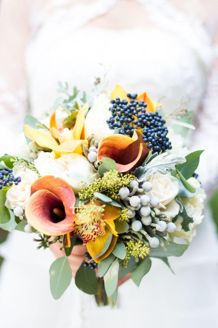Details - sauvage and autumnal wedding bouquet. Photo credit: https://www.facebook.com/Twenty9Studio