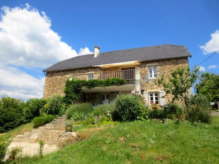 Belle demeure/Chateau/Mas/Bastide in Saint Sylvain. Property with 2 houses € 254000