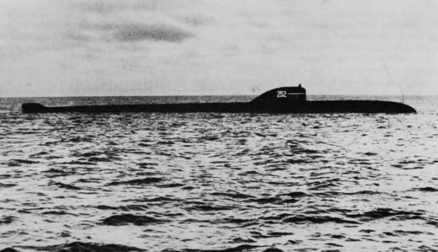 The Terrifying Reason Why This Dead Russian Nuclear Submarine Is a Ticking Time Bomb