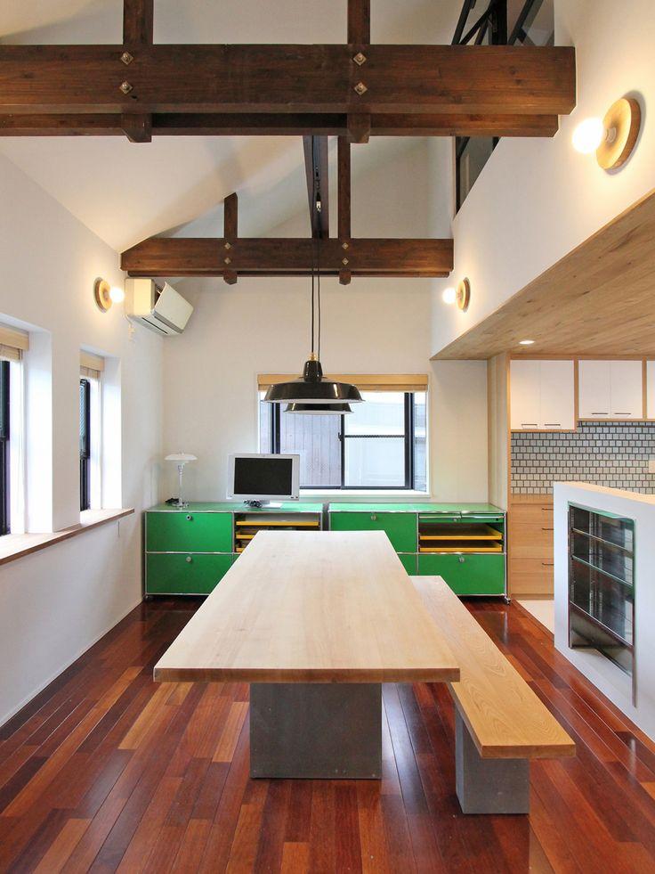 LIVING/DINING/KITCHEN/リビング/ダイニング/キッチン/タイル/格子窓/室内窓/アイアン/スチール/フローリング/天井/北欧/ミッドセンチュリー/リノベーション/フィールドガレージ/FieldGarage Inc.
