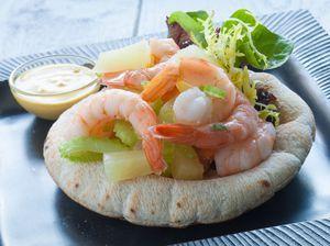 Pita met Hawaii garnalensalade - Brood.net