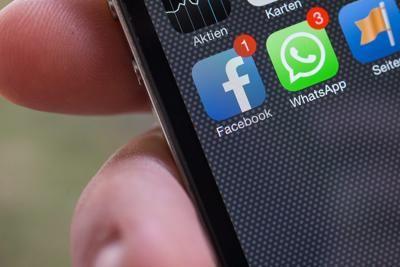 Come leggere i messaggi WhatsApp (in gran segreto)