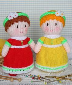 Dainty Dollies FREE Knitting Pattern by Jean Greenhowe / pdf file here: http://www.jeangreenhowe.com/Images/Dainty_Dollies.pdf