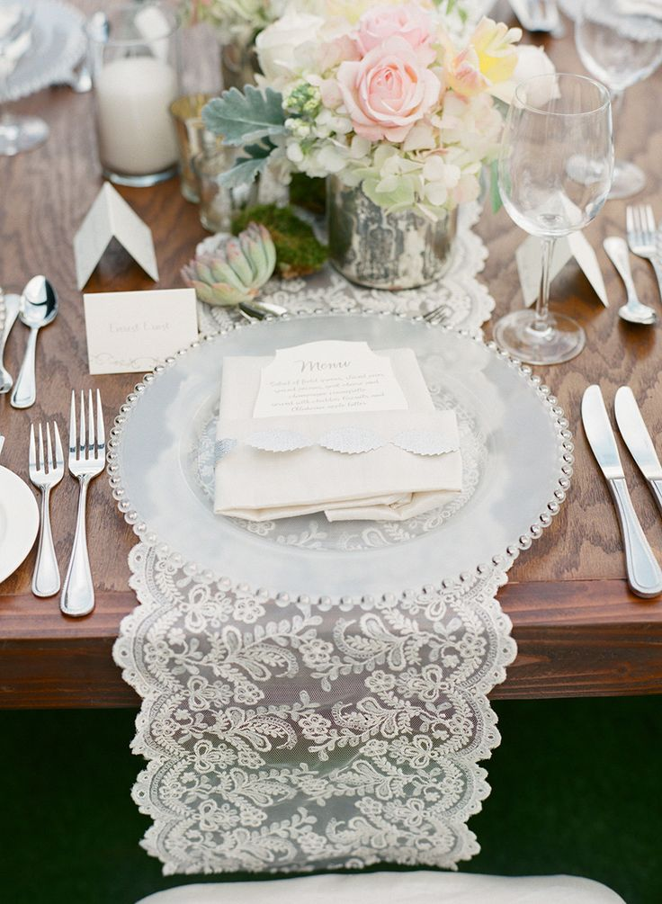 les 79 meilleures images du tableau ruban dentelle wedding sur pinterest d coration de. Black Bedroom Furniture Sets. Home Design Ideas