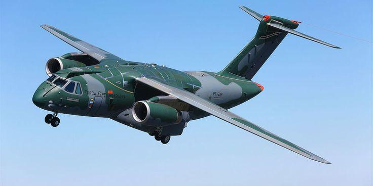 Cómo un jet del cargo de Brasil está asumiendo el Fuerte C-130J Hércules estupendo