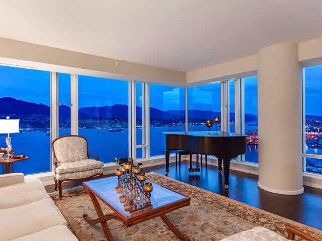 Simple and elegant with great view of the mountains in Vancouver