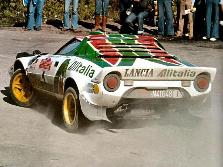 Sandro Munari on his way to 2nd on the 1976 Sanremo, team mate Waldegard took the win, this was the heyday of the Lancia Stratos