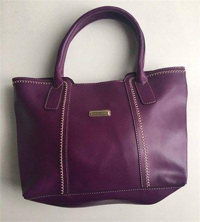 Bayan kısa saplı mor el çantası modellerini en ucuz fiyatlarıyla kapıda ödeme ve taksit ile Outlet Çarşım'dan satın al.