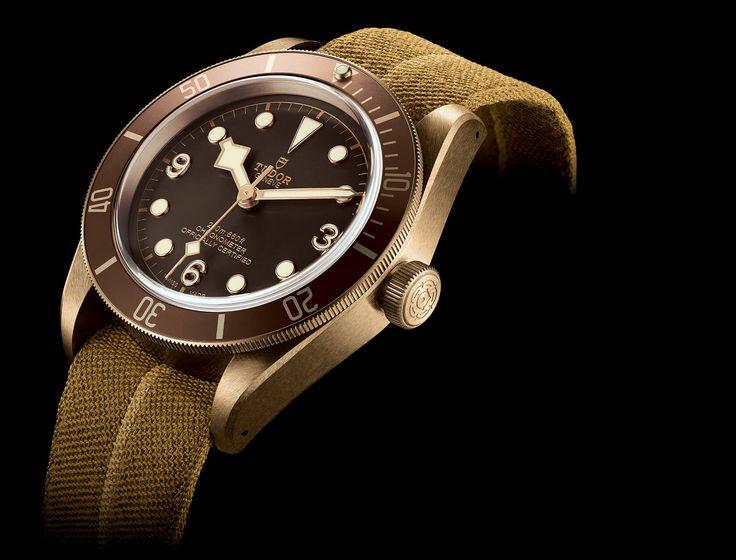 Découvrez le modèle Heritage Black Bay Bronze, une montre de plongée de 43mm de diamètre fabriquée dans un alliage cupro-aluminium haute performance. Visitez le site officiel Tudor.