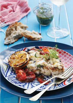 Dinner is served! Why not try your hand at 'Baked Kingklip with Tomato and Fairview Feta!' Wine Pairing suggestion: Fairview Caldera or Fairview Chardonnay. Quick and Easy...Bon Appétit! http://bit.ly/198wJfE #FairviewCheese #FairviewWine