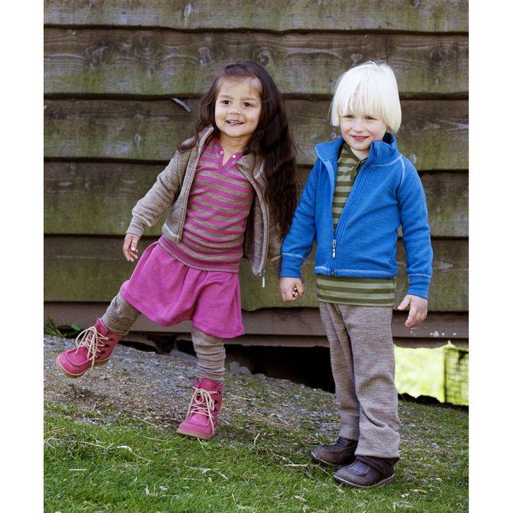12. Børnejakke i IVN-certificeret økologisk snoet uldfrotté fra Nøstebarn.