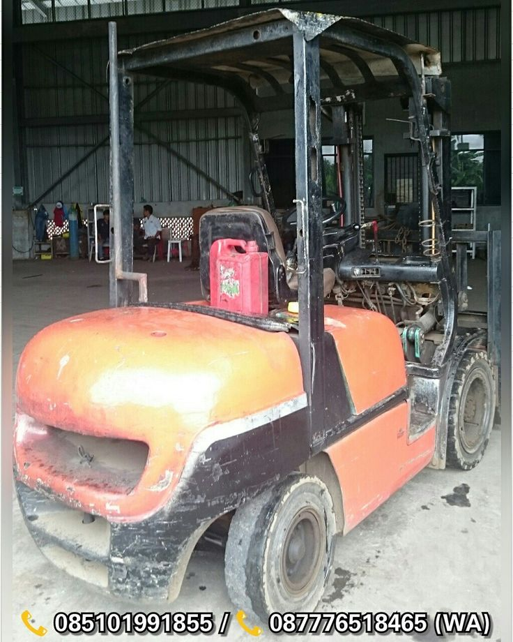 [ FOR SALE ] Forklift Patria 3 Ton,  Automatic,  Lifting Height 3M, Diesel Isuzu C240, 📞 087776518465 (Whatsapp),  Jakarta-Indonesia.