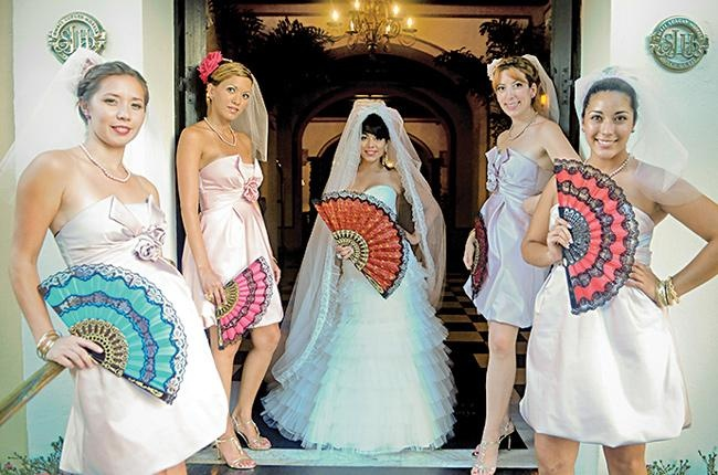 32 Best Images About Alternatives To Bridesmaids Carrying Floral Bouquets On Pinterest Feather