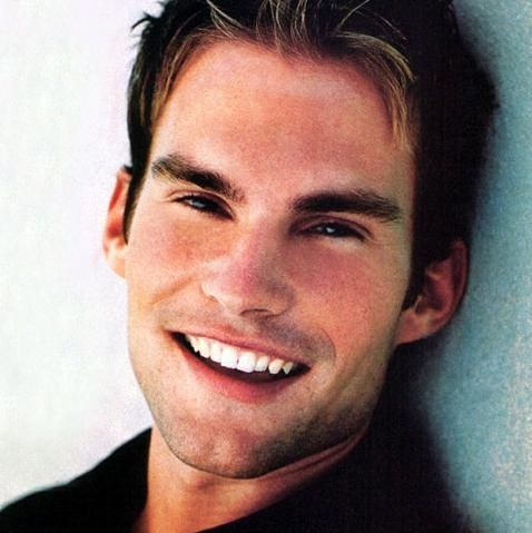 Sean William Scott.  he did a great job in the movie Rundown. He was super funny!